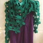 yeşil çiçek motifli tığ işi şal modeli