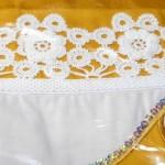 beyaz çiçek motifli çarşaf danteli
