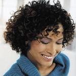 küt kesim kıvırcık saç modeli