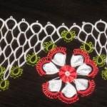 kırmızı beyaz çiçekli mekik oyası havlu kenarı