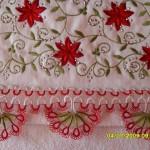 kırmızı beyaz yarım papatya mekik oyası havlu kenarı