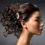 kıvırcık saçlı bayanlar için gelin başı modeli