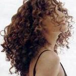 kıvırcık uzun saç modeli