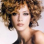 katlı kesim kısa kıvırcık saç modeli