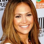 Jennifer Lopez küllü kumral saç modeli