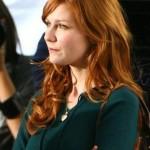 bakır kızılı dalgalı uzun saç