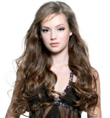 kestane rengi uzun havalı saç modeli