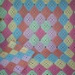 rengarenk motifli tığ işi bebek battaniyesi