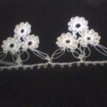 beyaz pıtırcık çiçekli halkalı oya