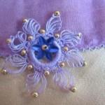 lila boncuklu halkalı oya modeli