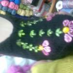 siyah mor ve yeşil boncuklu patik