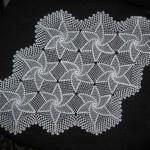 yıldız motifli dantel tepsi örtüsü