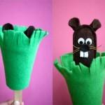 yeşil çiçekten çıkan fare ce e kuklası